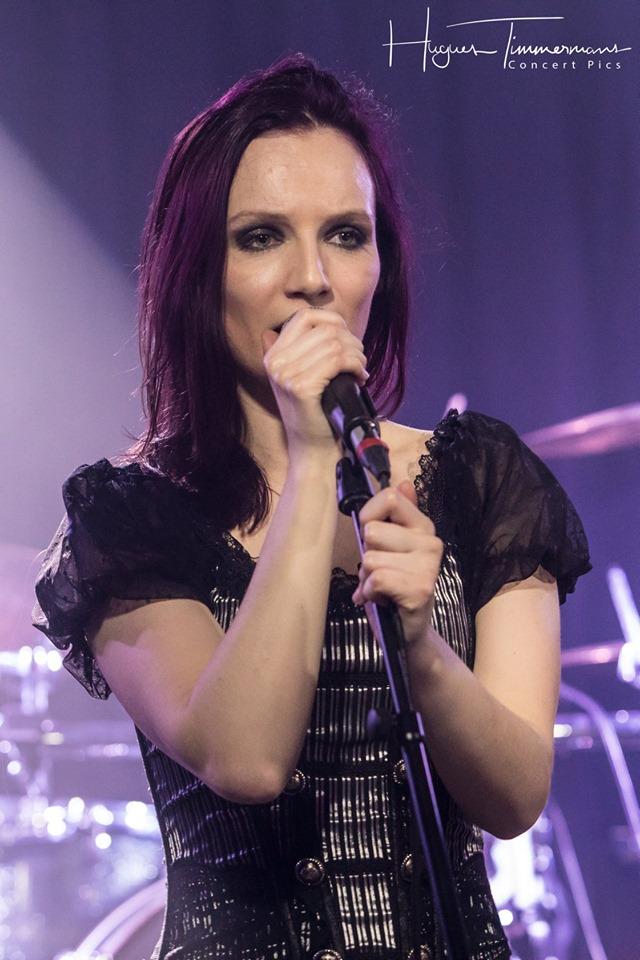 Valerie singing at a Penumbra concert