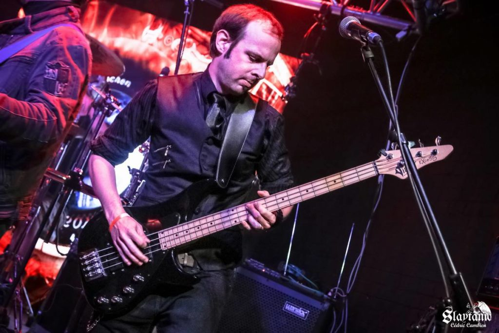 Penumbra's bass player in concert
